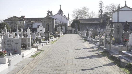 Cemitérios de Viana do Castelo abertos com permanência máxima de 30 minutos