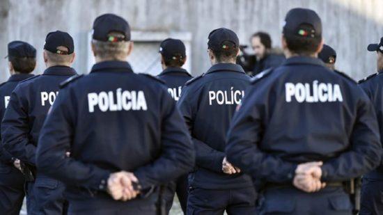 Polícias têm seis meses para remover tatuagens racistas e partidárias