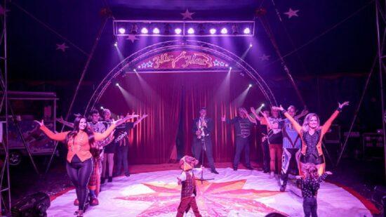 Rádio Geice transmite espetáculo de circo no Dia Mundial da Criança nas redes sociais
