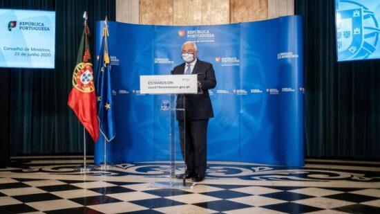 """António Costa considera """"injusto"""" Portugal em """"listas vermelhas"""" e critica União Europeia"""