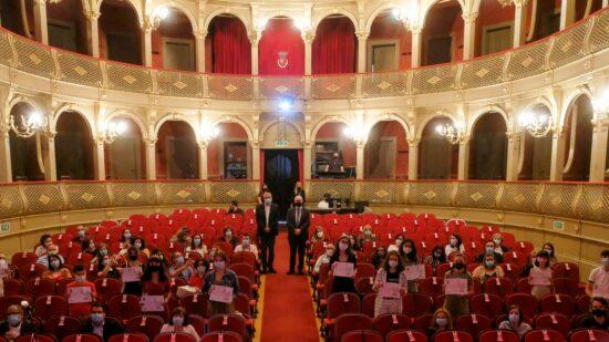 Doze estudantes vianenses ganham prémio escolar António Manuel Couto Viana