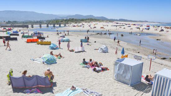 """Campanha """"Suspeitos do Costume"""" está a percorrer praias de Caminha"""
