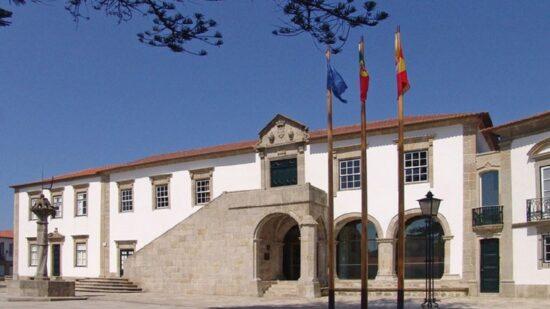 Câmara de Vila do Conde aprova voto de protesto pela venda da Rádio Linear