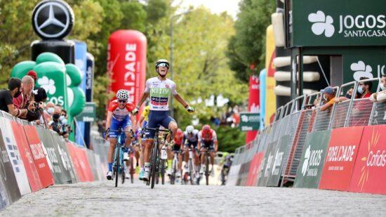 Luís Gomes vence primeira etapa da edição especial da Volta no alto de Santa Luzia