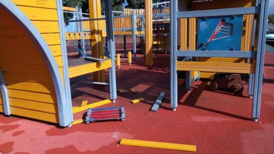 Município de Esposende denuncia atos de vandalismo em parques infantis encerrados