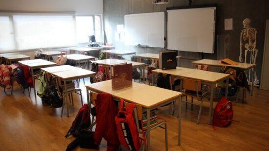 Greve nas escolas prolongada até quarta-feira