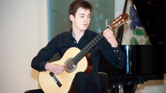 Recital de Guitarra Clássica de Diogo Carlos na Igreja Paroquial de Perre