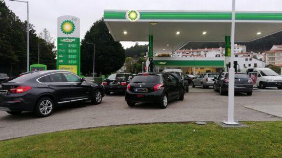 Governo anuncia desconto de 10 cêntimos/litro através do IVAucher