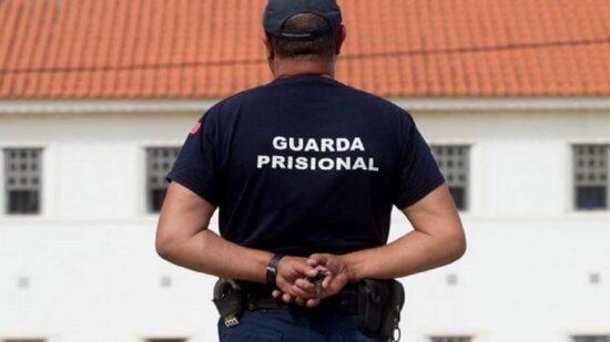 Chefias do Corpo da Guarda Prisional em greve no dia 12 de novembro